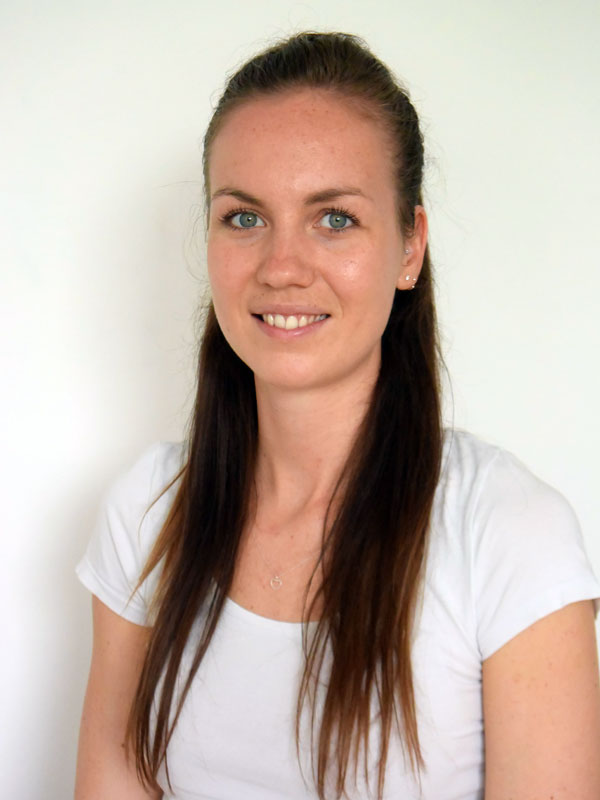 Simone Schmidt, Physiotherapeutin